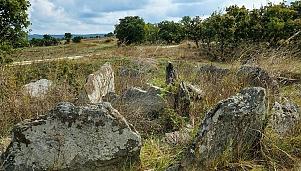 Thracian dolmen, village of Zhelezino