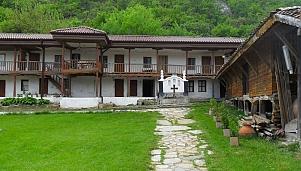 Monastery of the Holy Trinity, Topolovgrad