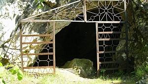 Karakolyovota Dupka, village of Ustrem and village of Mramor