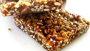 Sesame sweet bars (biscuits)